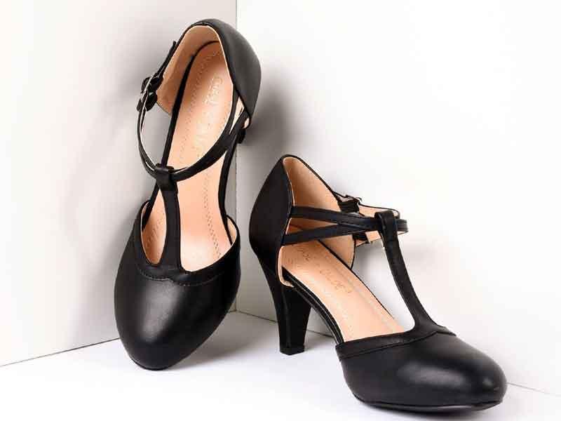 Sapatos em inglês- T-strap